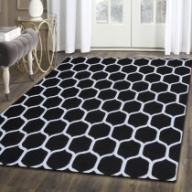 WOOL HONEYCOMB AREA RUG (5'x8')