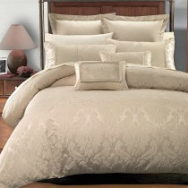 Sara Multi Piece Bedding Set